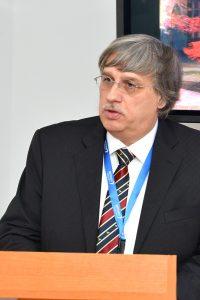 Prof. univ. dr. Lucian Miron