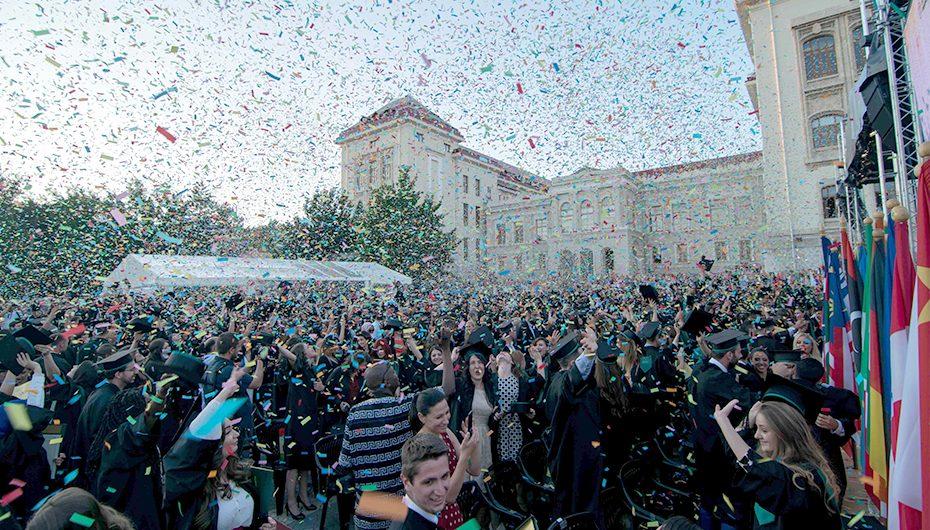 UMF Iași și-a sărbătorit absolvenții Promoției 2017
