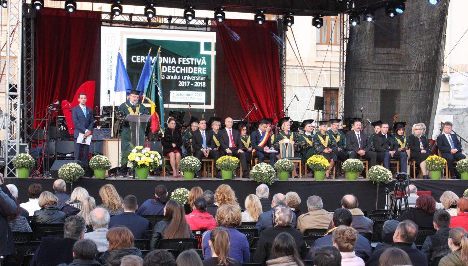 Eveniment cu tradiție la UMF Iași: Festivitatea de deschidere a noului an universitar