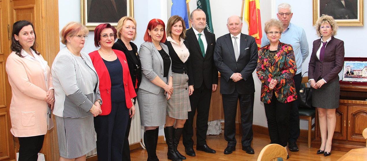 Întâlnire diplomatică la UMF Iași