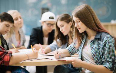 Pregătire gratuită la Biologie şi Matematică pentru concursul de admitere