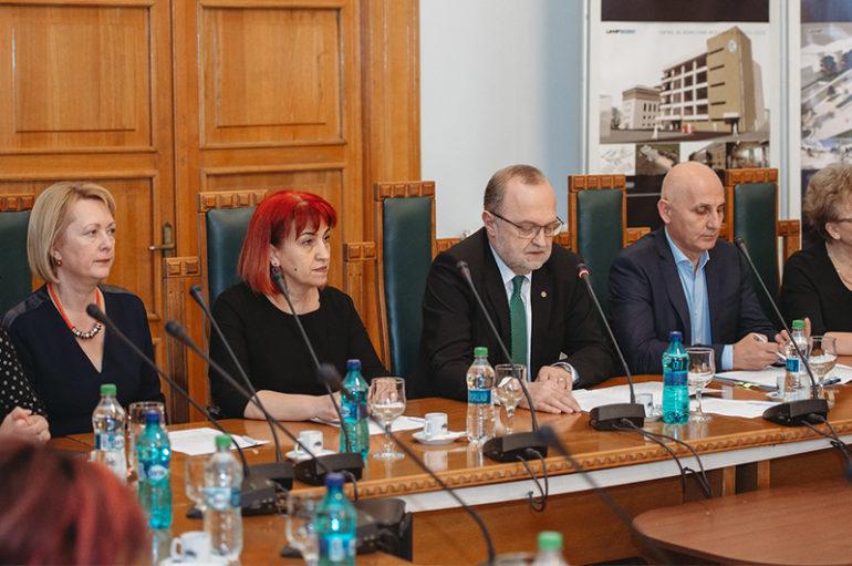 """S-a semnat contractul de finanțare pentru proiectul destinat clădirii """"Nicolae Leon"""" a UMF Iași"""