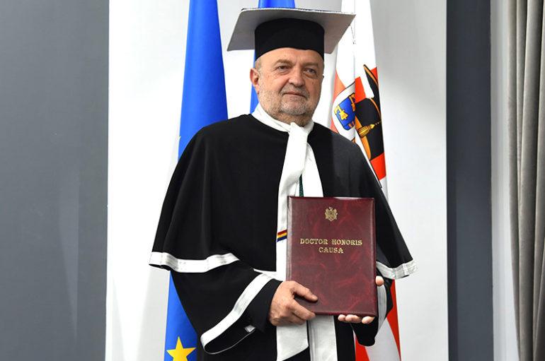 """Prof. Univ. dr. Viorel Scripcariu, Doctor Honoris Causa al Universității de Stat de Medicină și Farmacie """"Nicolae Testemițanu"""""""