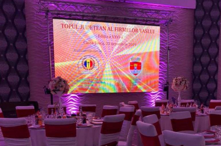 Două studente ale UMF Iași, premiate la Gala Laureaţilor Topului Firmelor judeţului Vaslui
