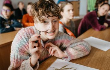 Facultatea de Farmacie: Workshop-uri despre efectele nocive ale alcoolului, tutunului și drogurilor, pentru elevi Erasmus