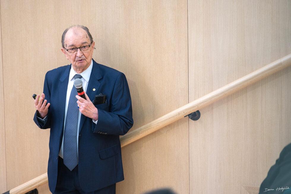 Conferinta B. Simionescu - Provocarile stiintei si tehnicii in secolul al XXI-lea (2)