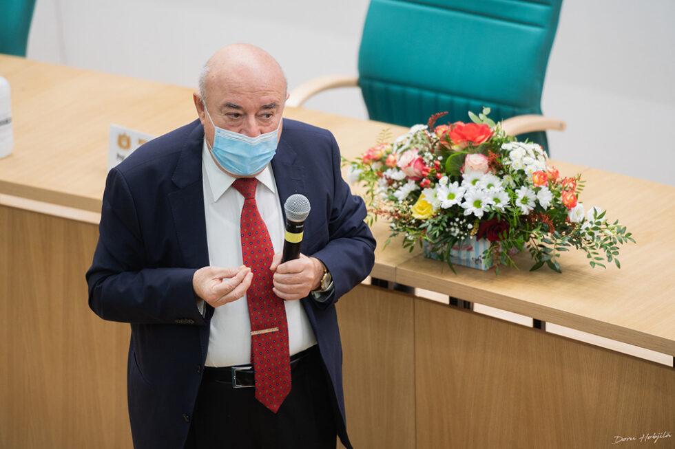 Conferinta B. Simionescu - Provocarile stiintei si tehnicii in secolul al XXI-lea (6)